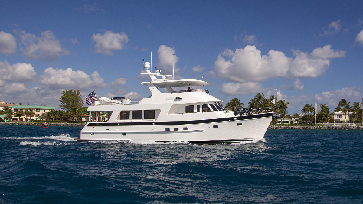 Outer Reef 700 Motoryacht
