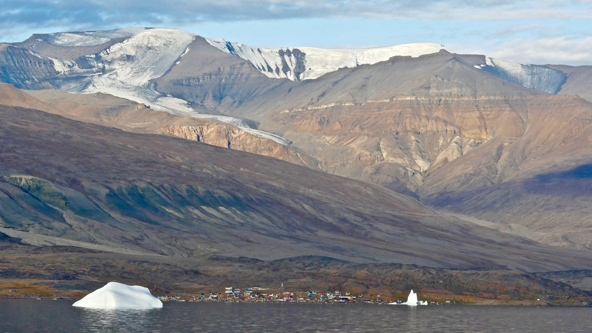Greenland is sparsely populated and villages are dominated by the immensity of their surroundings.