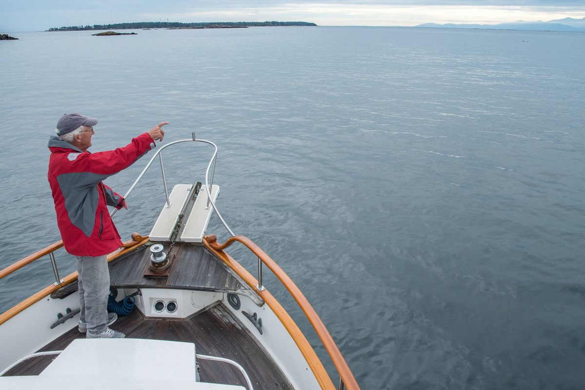 Using established hand signals allows crew to effectively communicate with the skipper without confusion.