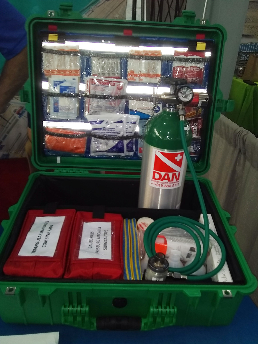 DAN Medical Services kit.