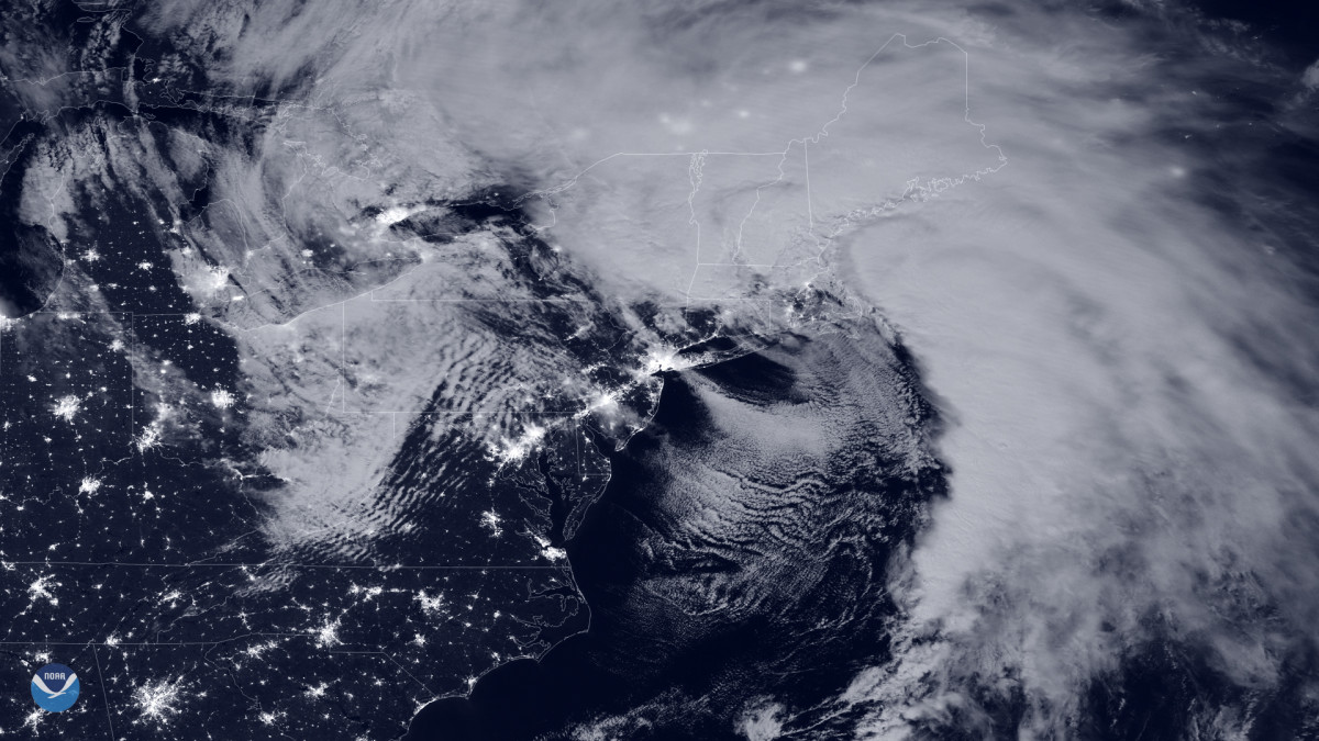 The powerful coastal system, seen in this NOAA-20 day-night band imagery from early on Oct. 17, 2019, is bringing the Northeast very heavy rainfall and damaging winds capable of toppling power lines. The National Weather Service (NWS) in Boston reported overnight wind gusts of 90 mph in Provincetown, Mass. Those powerful wind gusts left nearly half a million people in Massachusetts and Maine without power as of 11 a.m. ET. Across Connecticut, New Hampshire, New York and Rhode Island, more than 100,000 homes and businesses woke up to darkness, according to poweroutage.us. High wind warnings and wind advisories remain in effect from coastal Virginia to Massachusetts.