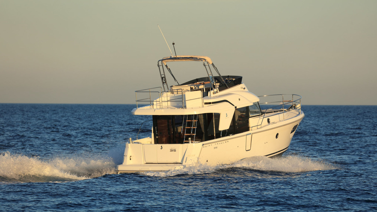 While the Beneteau will top out at about 19 knots, it felt most comfortable up on plane at about 2000 rpm.