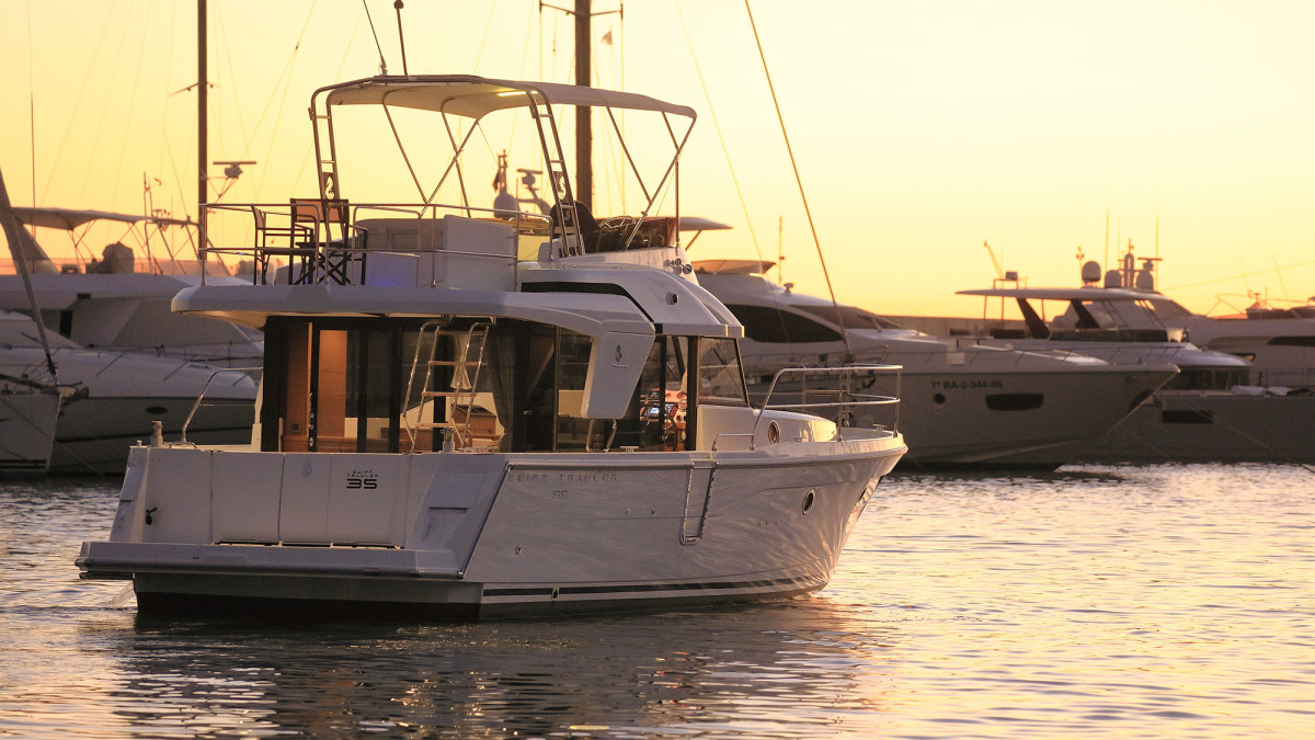 The new Beneteau 35.