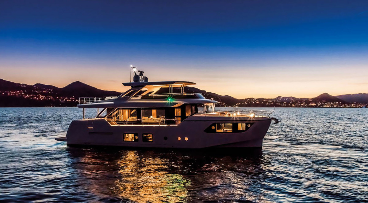 Absolute Navetta 73 is lit up in the evening for an incredible ambiance