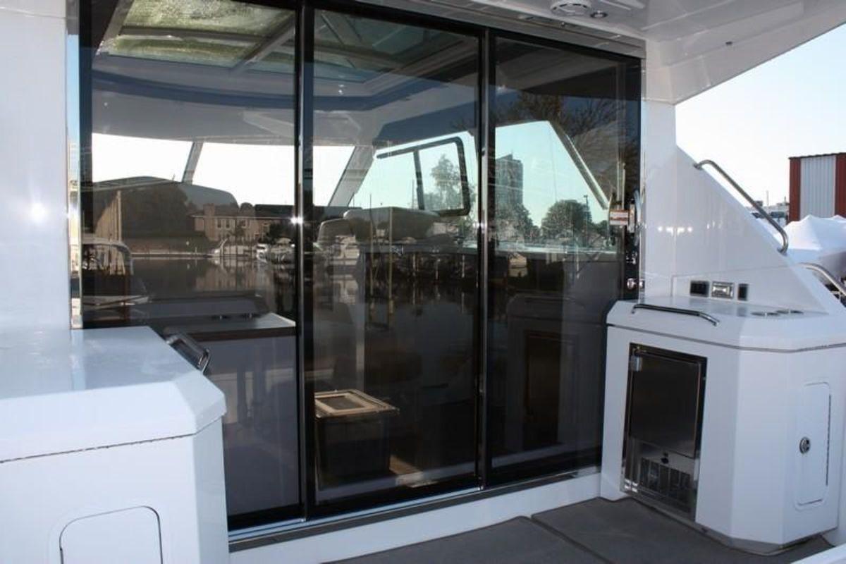 Cruisers-Cantius-48-sliding-glass-door