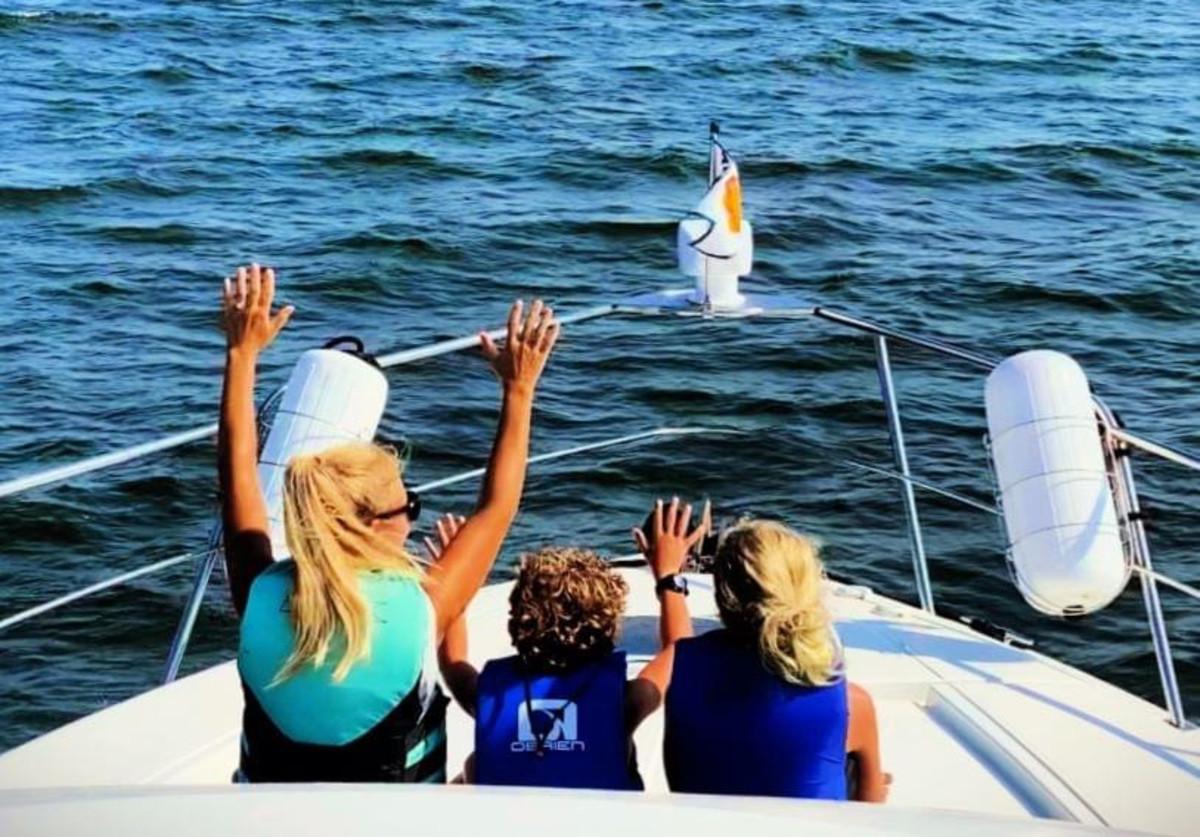 The Bowlins enjoy a Chesapeake Bay joyride up front.