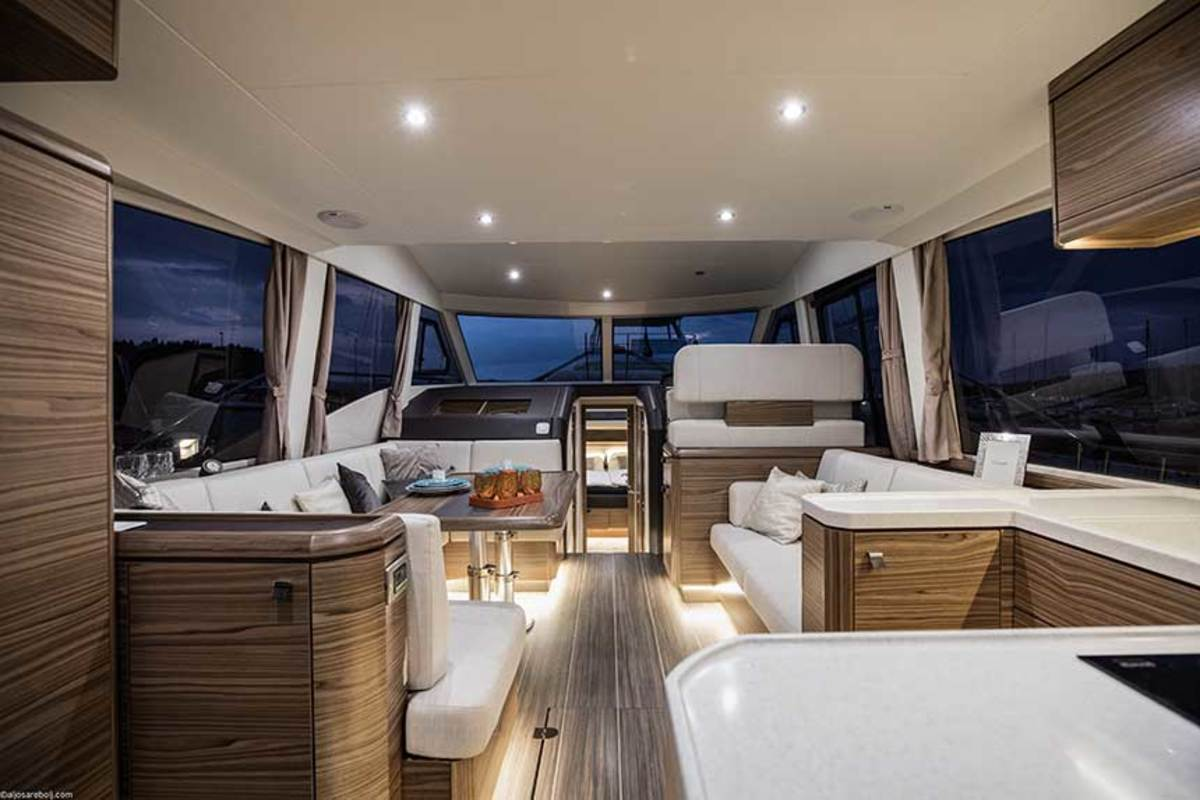The one-level living concept provides easy, unobstructed access around the helm, salon, galley and cockpit living areas.