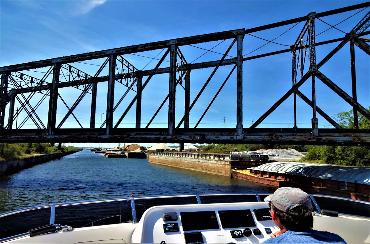 This railroad bridge in Chicago is the reason why many Great Looper cruisers choose smaller boats. Another option? Put a hinge in the boat's arch to reduce air draft.