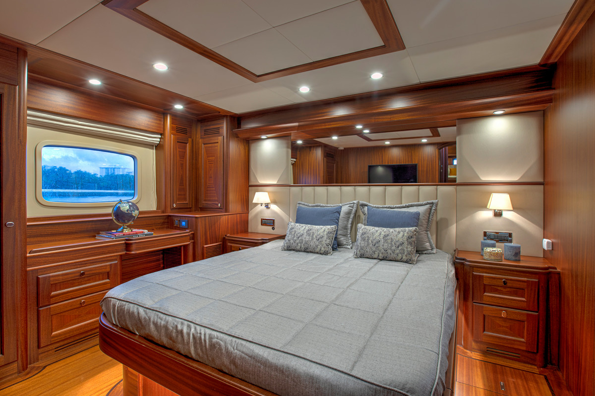 An example of a 67 Cruiser master stateroom arrangement.