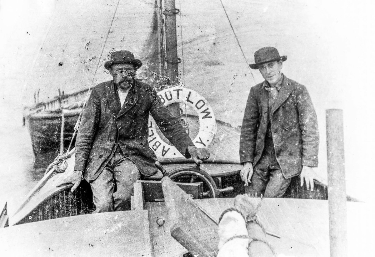 Just 15 years after the first-ever motorboat had hit the water, William Newman and his 16-year-old son set out from New York aboard the 37-foot Abbiel Abbot Low to cross the Atlantic. They successfully tied up in Falmouth, England, 37 days later.