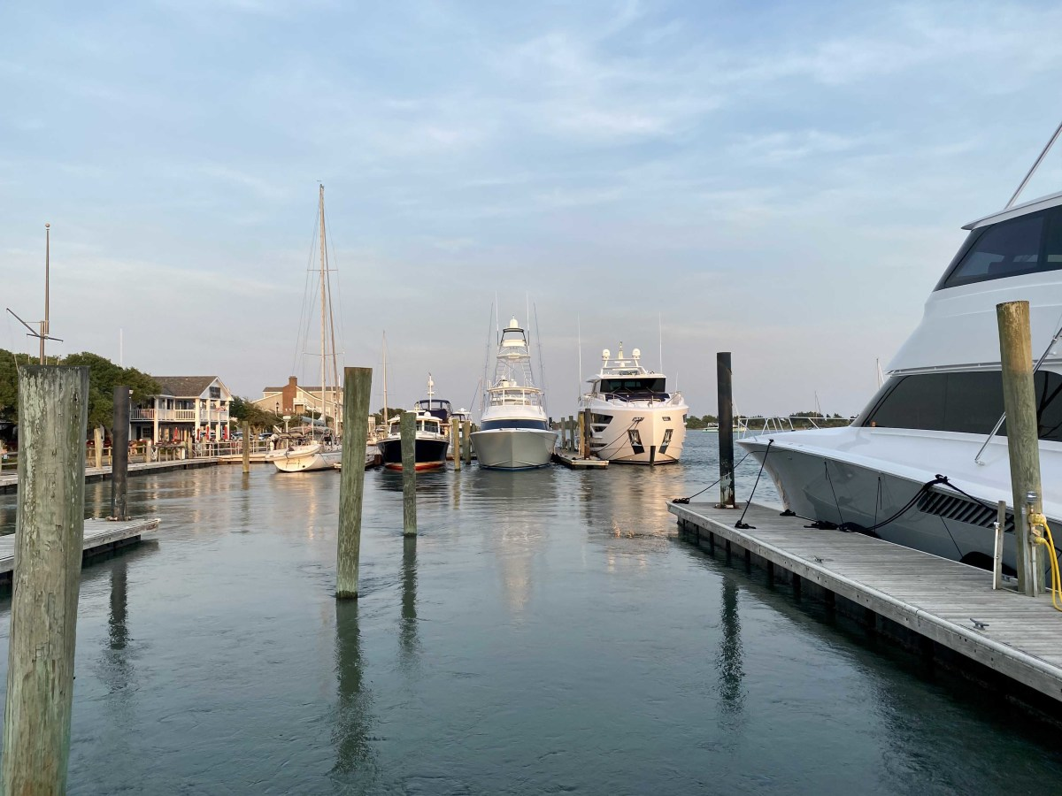 Boaters who pay more attention to wind than to current because wind is more apparent may be better served to observe waterborne indicators around the slip, such as pilings.