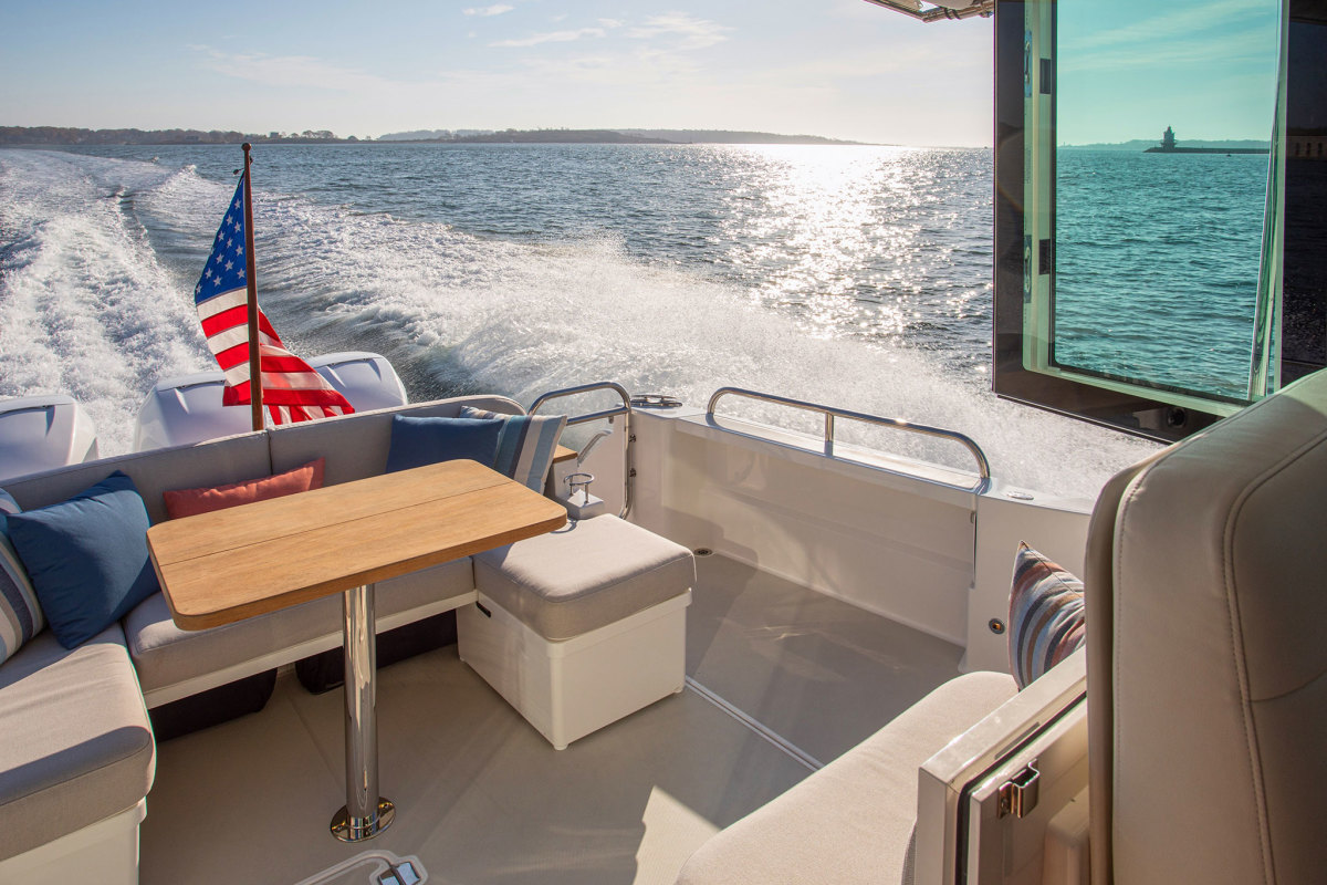 The spacious cockpit enables alfresco dining and entertaining.
