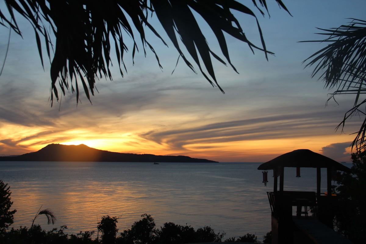 A dramatic sunrise in Puerto Galera, Mindoro, Philippines