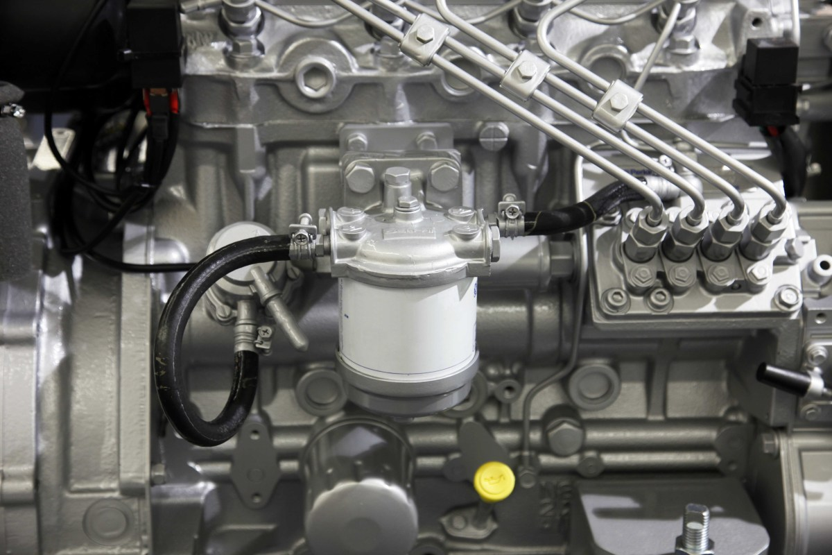 how to bleed a diesel engine